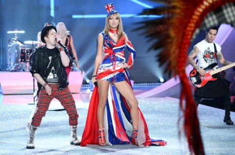Singer-Taylor-Swift-performs-w_54393426454_53389389549_600_396