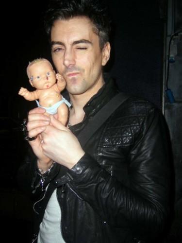 Ian+Watkins+Hey+baby+o
