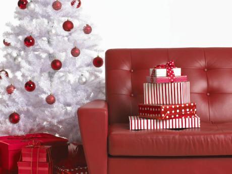 red christmas room