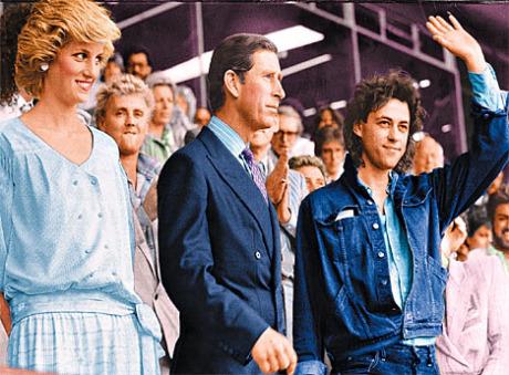 85-07-13_London_crowd_04