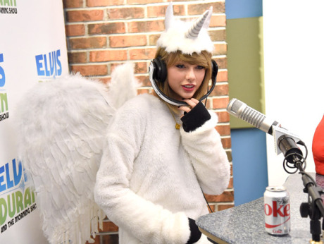 """Taylor Swift Visits """"The Elvis Duran Z100 Morning Show"""""""