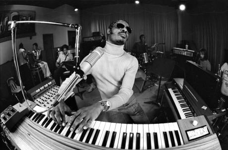 38.Stevie_Wonder_Keyboard_1975