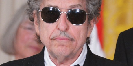 Muscian Bob Dylan is seen before receiveing the Presidential Medal of Freedom from US President Barack Obama during a ceremony on May 29, 2012 in the East Room of the White House in Washington. The award is the country's highest civilian honor.    AFP PHOTO/Mandel NGAN        (Photo credit should read MANDEL NGAN/AFP/GettyImages)