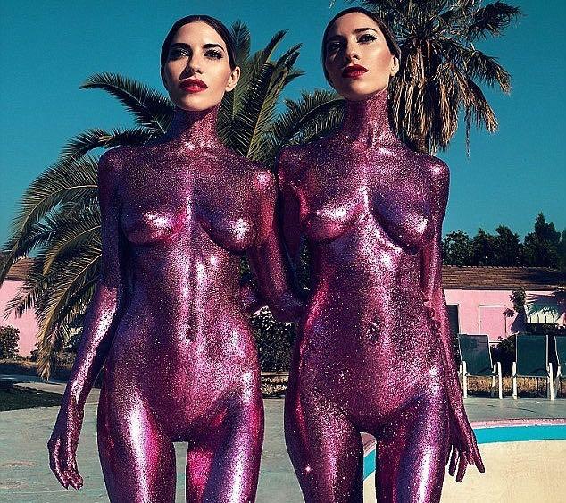 Joan Severance posando desnuda para Playboy La