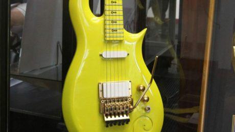 prince-guitar-1-2048x1152-20160626-054516-088