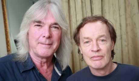 ANGUS YOUNG TAMBIEN HA CONTADO CON CLIFF WILLIAMS PARA VOLVER A LOS VIEJOS AC/DC