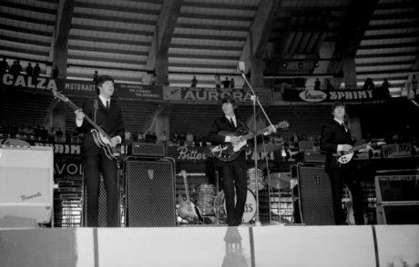 BEATLES : EL FRACASO DE GENOVA CON SÓLO EL 20 POR CIENTO VENDIDO EN 1965