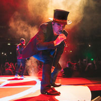 U2 :¿CUAL ES LA RELACION DEL GRUPO CON USA?