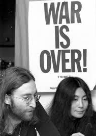 """JOHN LENNON : """"WAR IS OVER"""" , SU CAMPAÑA EN MONTREAL"""